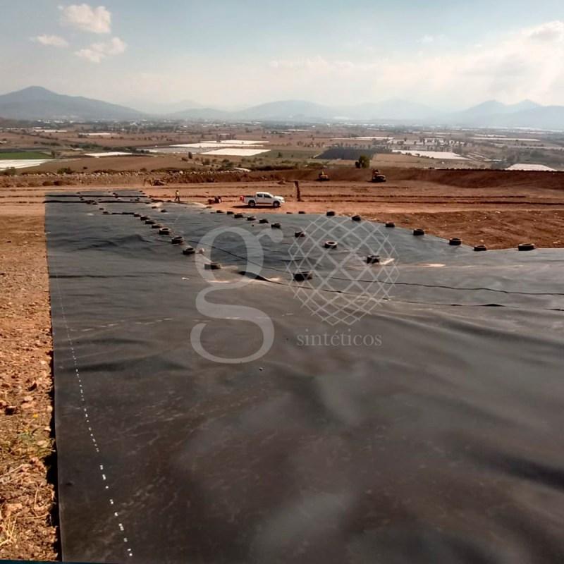 Nuestro equipo realizará una instalación de 27 mil m2 de #Geomembrana de 1.5 mm en la obra de #RellenoSanitario en Zamora, Michoacán.