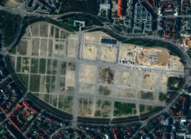Satellite imagery of German COVID-19 testing facilities