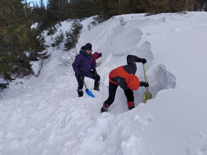 Profil śniegu - zimowy kurs turystyki wysokogórskiej