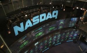 Beurzen onderuit, beleggers zoeken naar veilige havens
