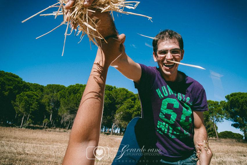 Fotos Boda Cuenca: Sesión de pre-boda con girasoles en Cuenca (32)