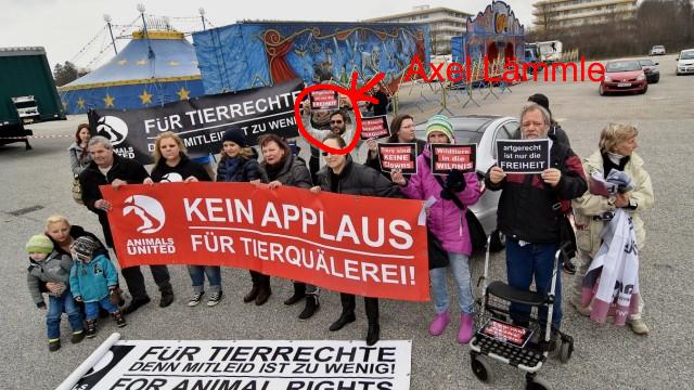 Screenshot: http://www.sueddeutsche.de/muenchen/fuerstenfeldbruck/fuerstenfeldbruck-protest-der-tierschuetzer-1.2903566