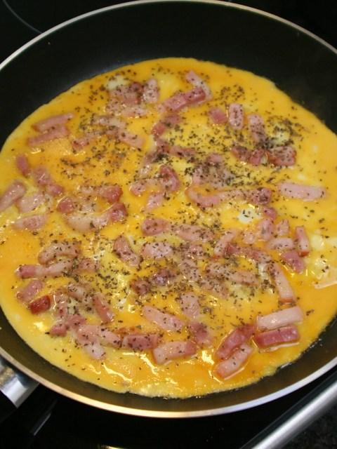 omelet met spekreepjes