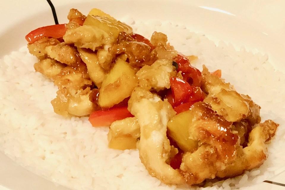 Chinees gebakken kip in zoetzure saus