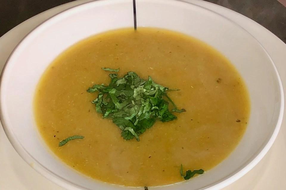 Caraïbische kookbananen soep