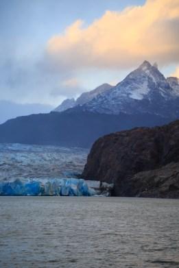 Blick auf den Glacier Grey bei Sonnenuntergang