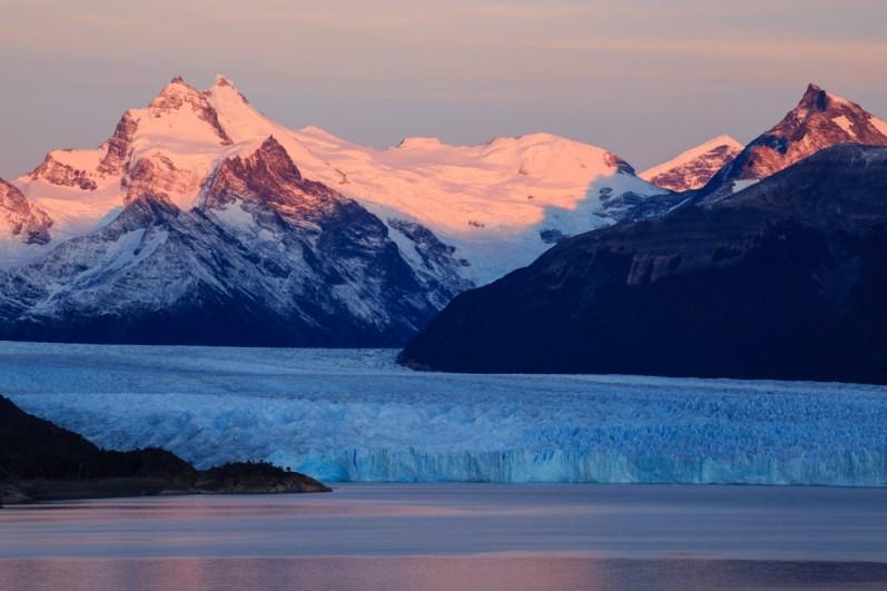 Sonnenaufgang über dem Perito Moreno Gletscher