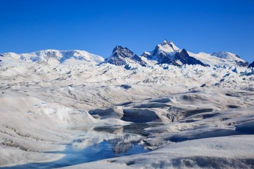 Spiegelung auf dem Gletscher