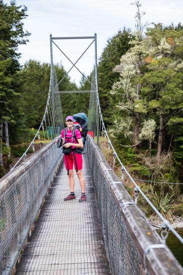 Eine weitere neuseeländische Hängebrücke