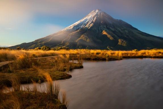 Pouakai Tarns mit Mount Taranaki