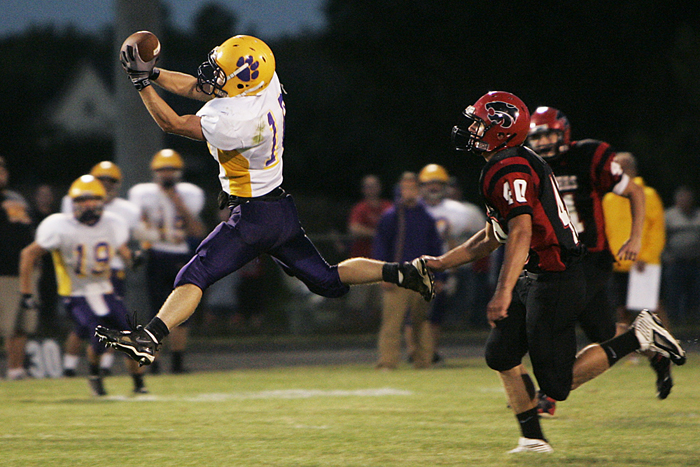A Hagerstown receiver makes a leaping catch in a game against Knightstown. (C-T photo Max Gersh) ©2010
