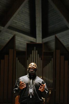 Aaron Bolden singing gospel