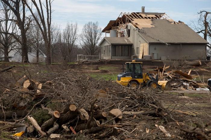 rochelle tornado damage
