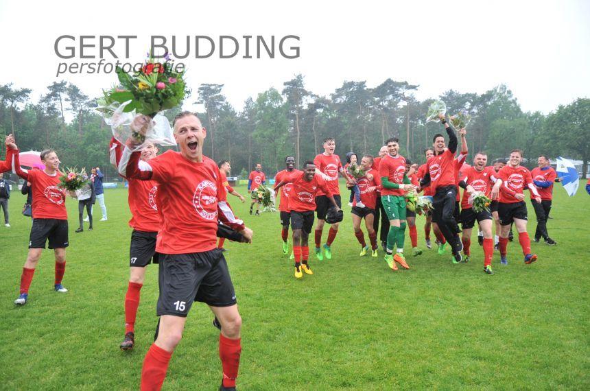 Arnhemse Boys viert kampioensfeest ook bij CHRC