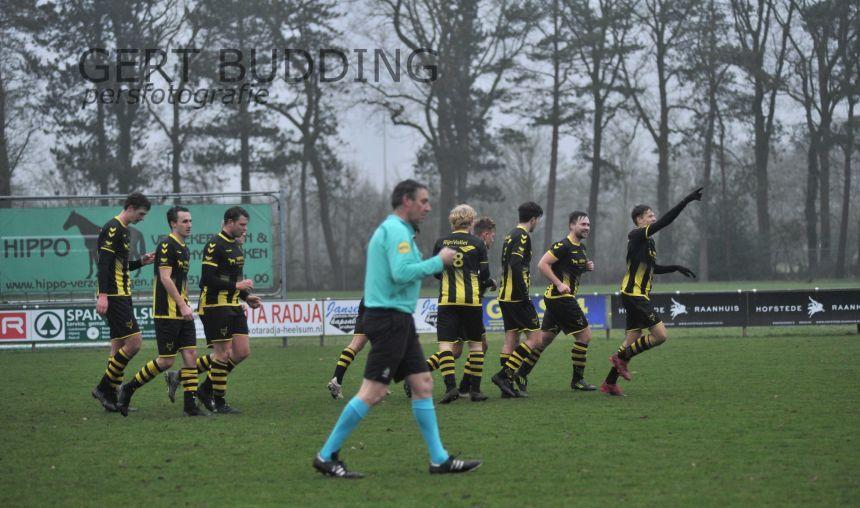 Prachtig doelpunt Ymar de Jong bezorgt Redichem punt