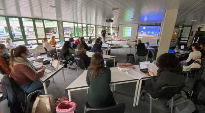 Unterricht analog, digital oder beides?