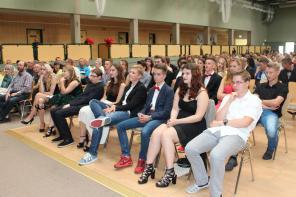 Gesamtschule Petershagen_Abschlussfeier Klasse 10 im SJ 2015-16_ Motto des Abends - Casino Royale_4