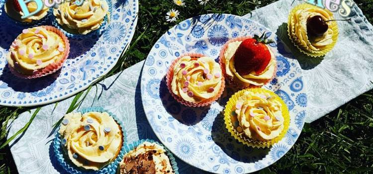 Vanilla Cupcakes (Baby Shower Cupcakes)