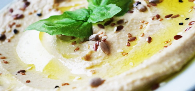 Roasted garlic houmous