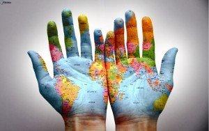 mapa-del-mundo,-manos-176390