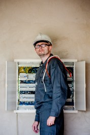 electrician-1080590_1920