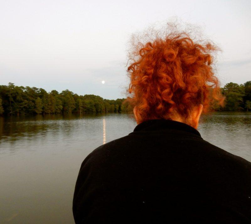 moonlit-boat-ride-on-trap-pond-laurel-de