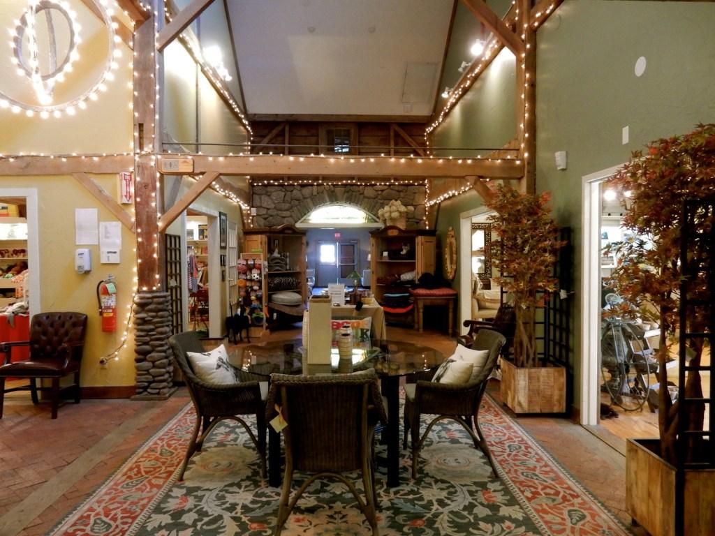 shops-at-emerson-resort-mt-tremper-ny