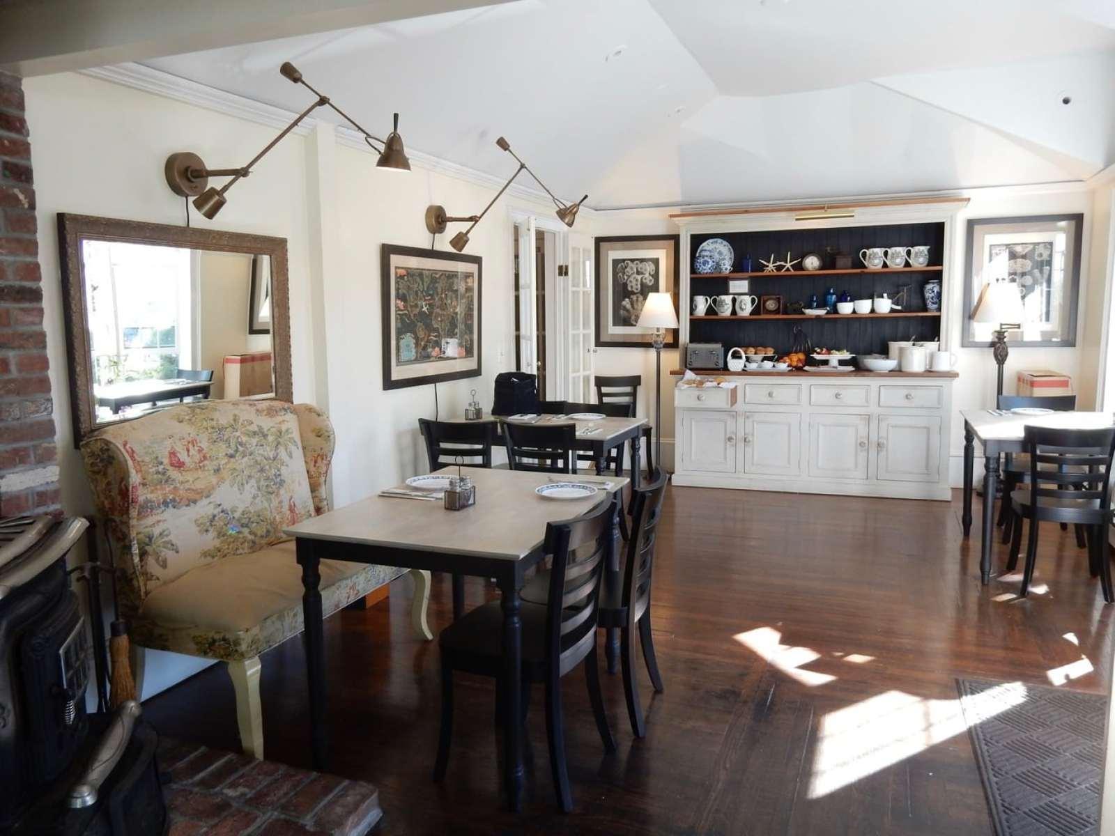 Breakfast Room, Carpe Diem Guesthouse, Provincetown MA