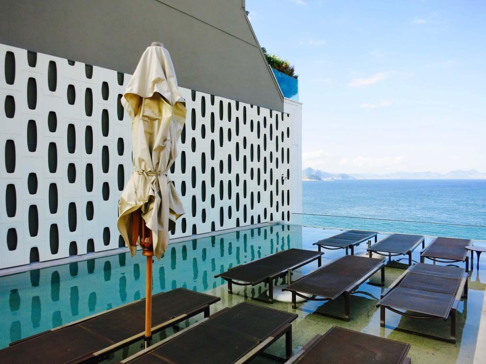 Roof Infinity Pool, Hotel Emiliano Rio Brazil