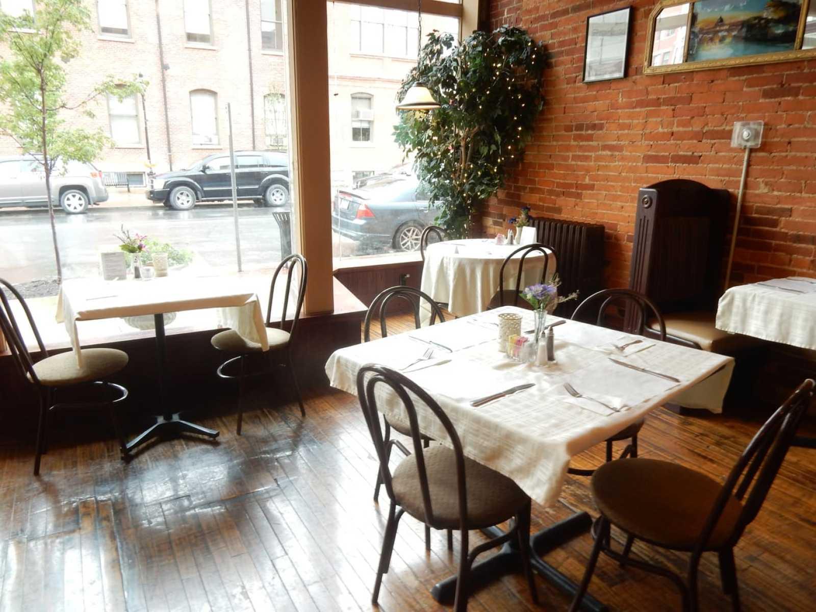 Moana's Restaurant Clearfield PA
