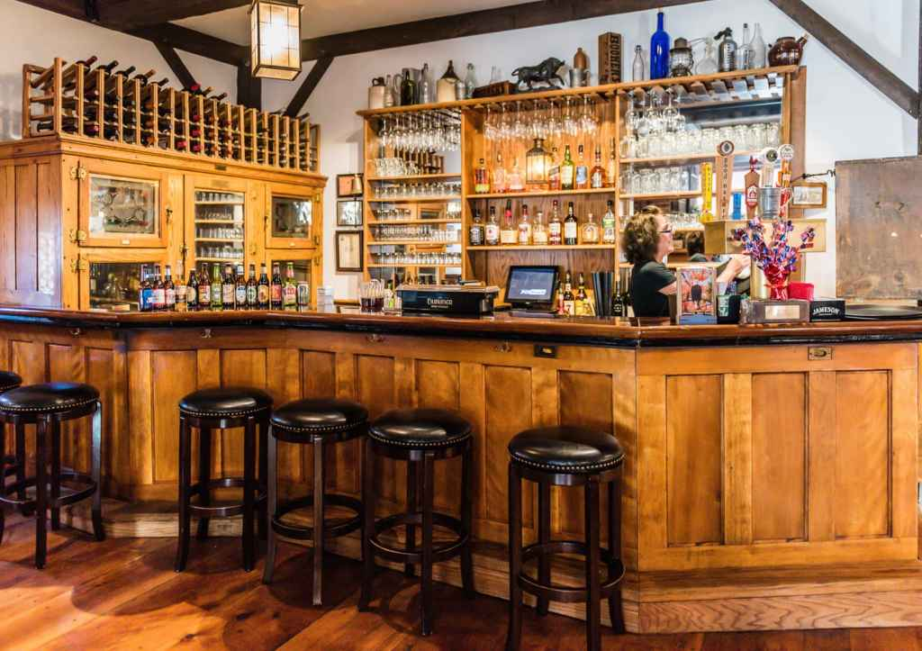 Bulls Head Inn Restaurant Bar