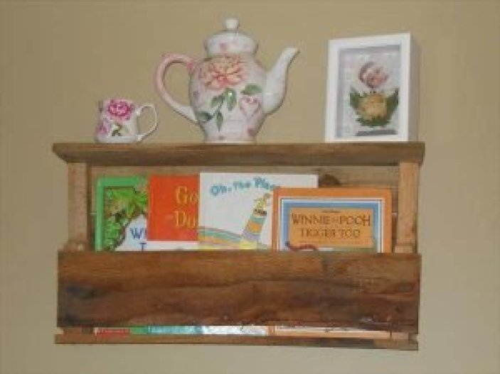 Unbeatable pallet bench ideas #diybookshelfpallet #bookshelves #storageideas