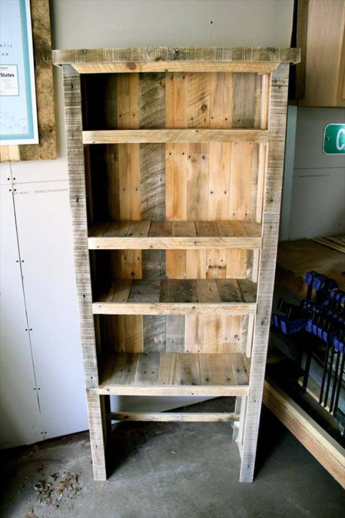 Breathtaking build your own bookshelf #diybookshelfpallet #bookshelves #storageideas