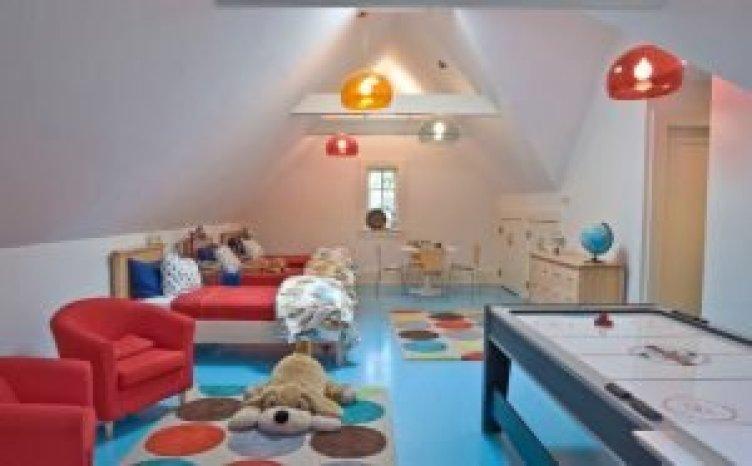 Stunning elegant attic bedroom design ideas #atticbedroomideas #atticroomideas #loftbedroomideas