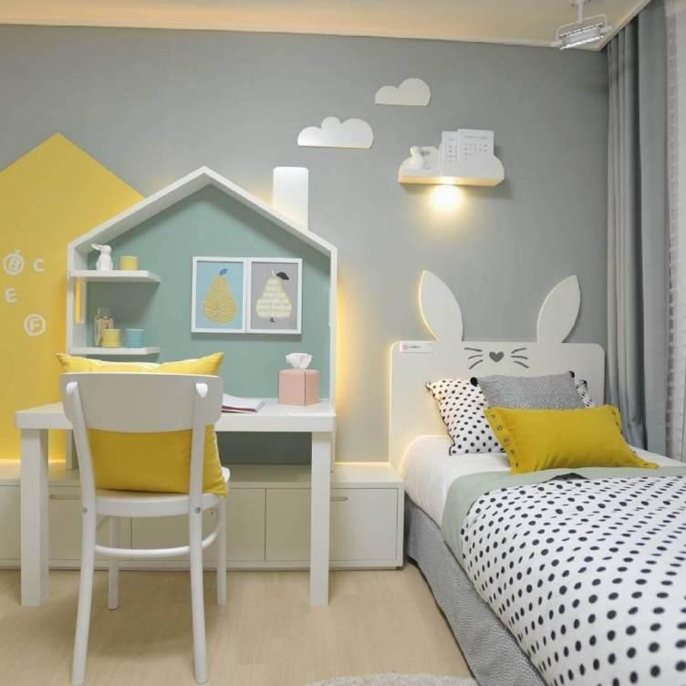 Unbelievable teenage girl bedroom ideas with brown furniture #teenagegirlbedroomideas #teengirlsroom #girlsbedroomideas