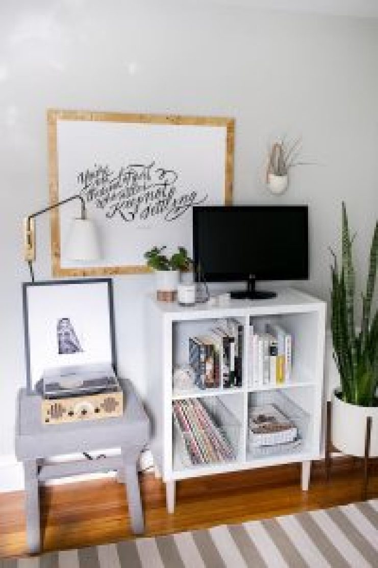 Stunning diy retractable tv stand #DIYTVStand #TVStandIdeas #WoodenTVStand
