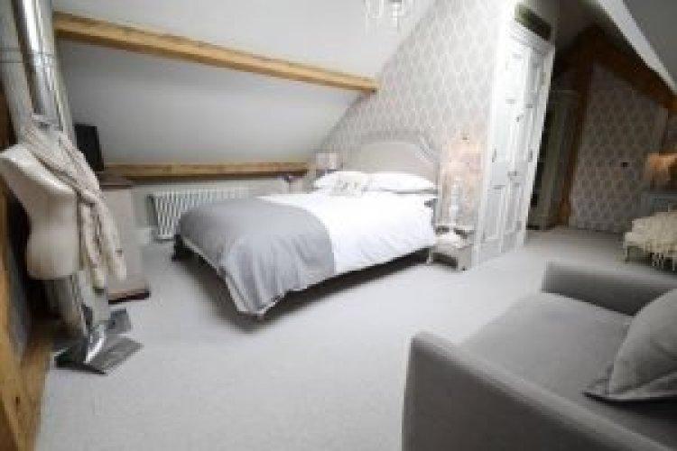 Uplifting attic dressing room ideas #atticbedroomideas #atticroomideas #loftbedroomideas