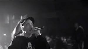 rapping-live