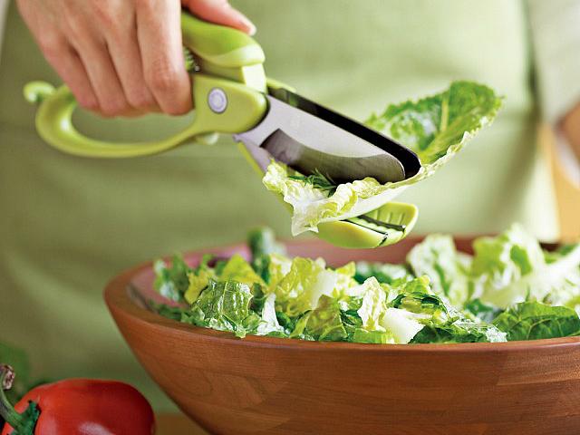 Toss and Chop Salad Tongs