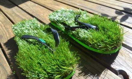 Kusa Unisex Grass Flip Flops