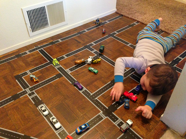 10 Fun Toys That Do Not Require Batteries