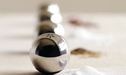 Add Elegance to your Dining Table With Salt & Pepper Tumblings