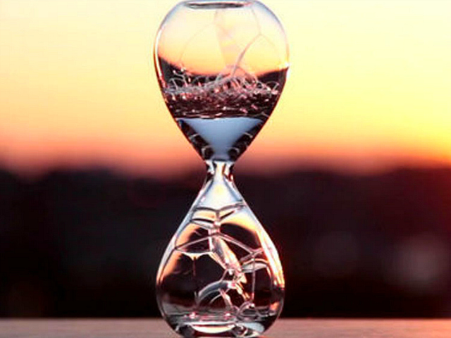 Defy Time and Gravity with the Bubble Hourglass