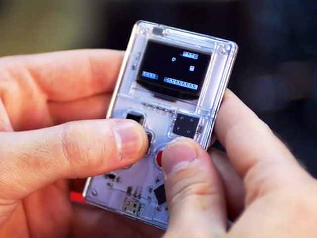 Arduboy – The Credit Card Sized Gameboy