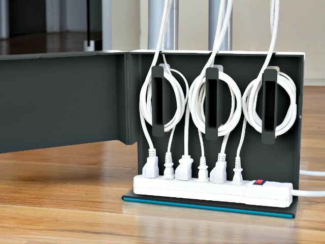 Plug Hub Makes Your Wire Mess Disappear