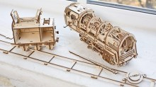 UGEARS 460 Locomotive with Tender