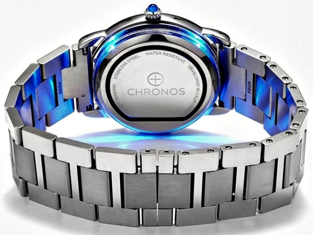 Chronos Turns Any Watch into a Smartwatch