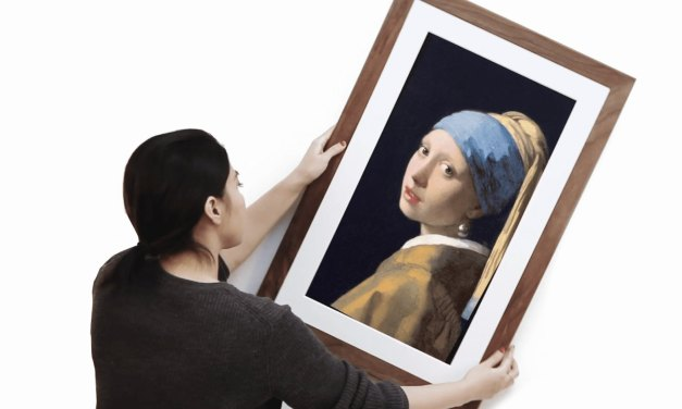 Meural Canvas II Brings the Louvre into your Home