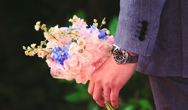 flower-gift-men