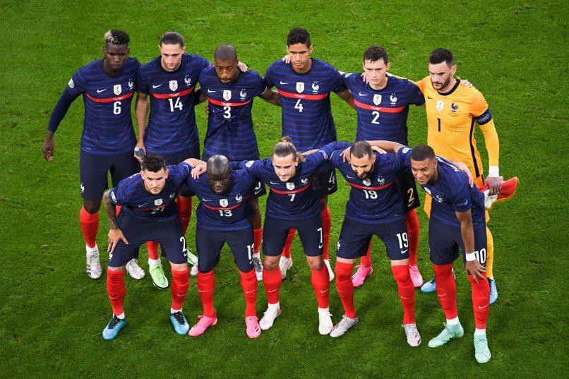 Learn about the positions on a football team and what each player does on a team's offense and defense. France Decided Not To Kneel Before Kick Off In Late U Turn Get French Football News